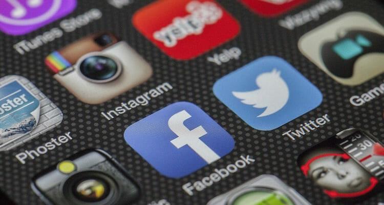 social media twitter instagram facebook